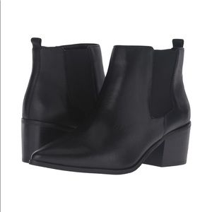 Tahari Ranch 2 Pointed toe leather ankle boots